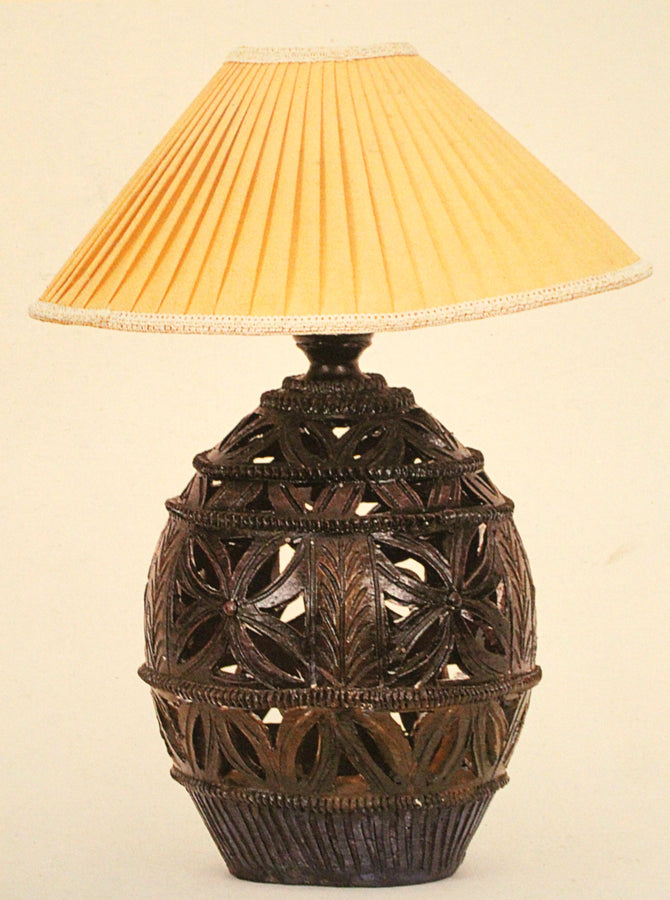 Cutwork painted lamp stand