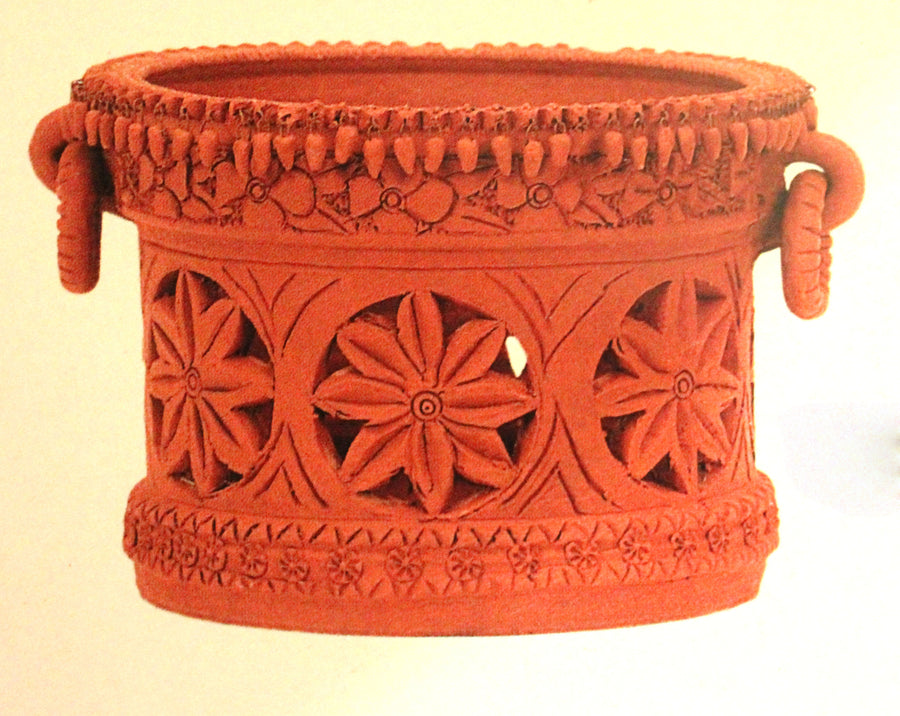 Pot cutwork design