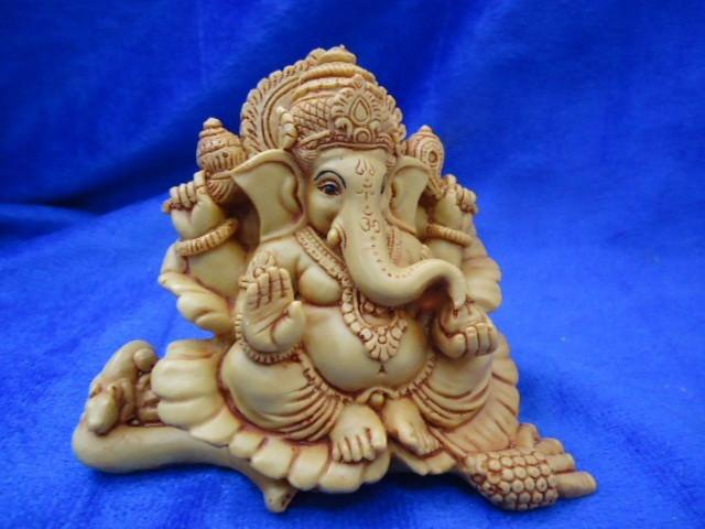 Ganesh Idol 3.5inch 800gm