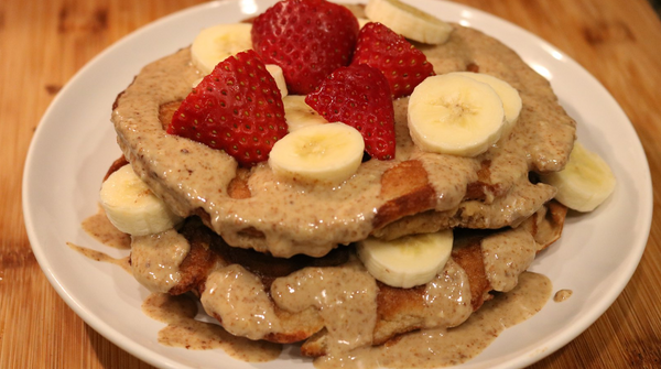 Flourless Almond Butter Banana Pancakes