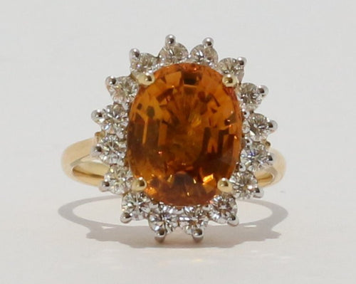 18ct Yellow gold Oval cut Yellow Sapphire & Diamond Cluster Ring