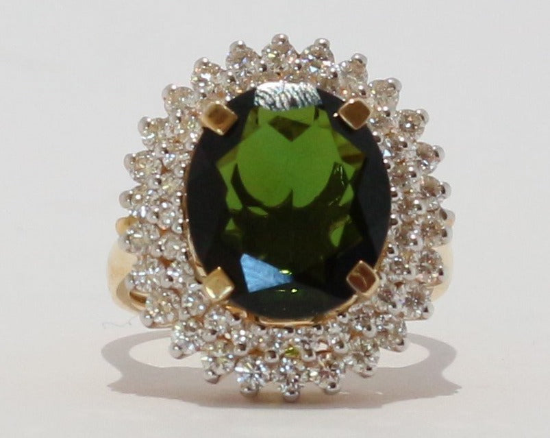 18ct Yellow gold Oval cut Green Tourmaline & Diamond Cluster Ring