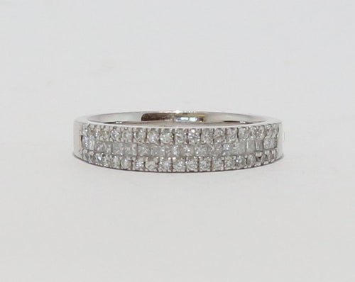 18ct White Gold Diamond Princess & Round Brilliant cut Dress Ring