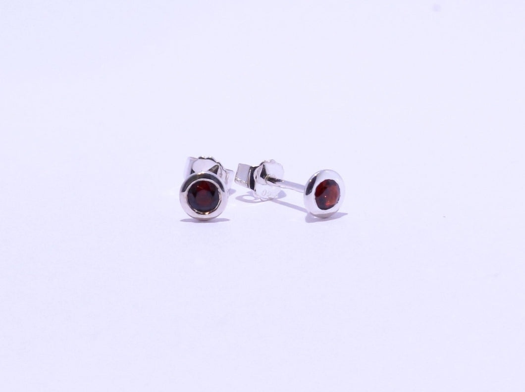 925 Garnet Round Bezel set Stud Earrings (4.75 Diameter)