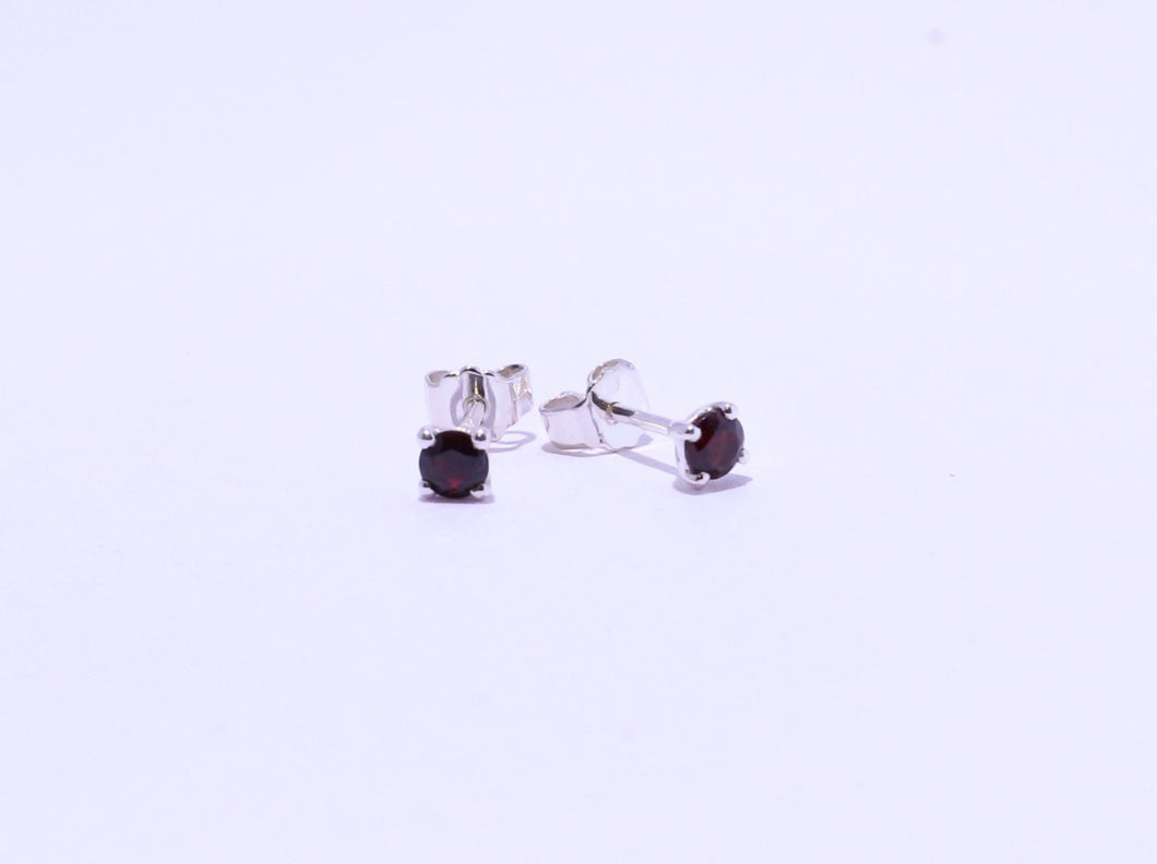 925 Garnet 3.5mm Round 4-claw set Stud Earrings