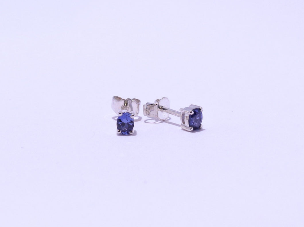 925 Synthetic Sapphire 4x3mm Oval 4-claw set Stud Earrings