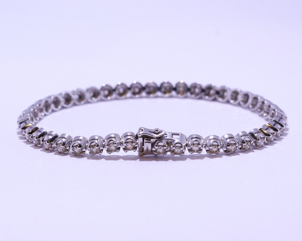 9ct White Gold Round Brilliant cut 2.5ct Diamond Tennis Bracelet
