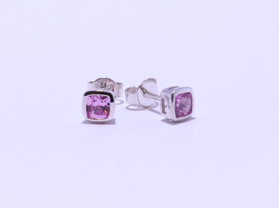 925 Pink Cushion-cut CZ Bezel set Stud Earrings (5.3mm Diameter)