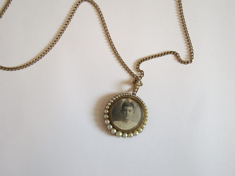 victorian mourning locket with pearls