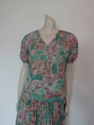 1970s vintage green floral dress with pleated skirt by janelle