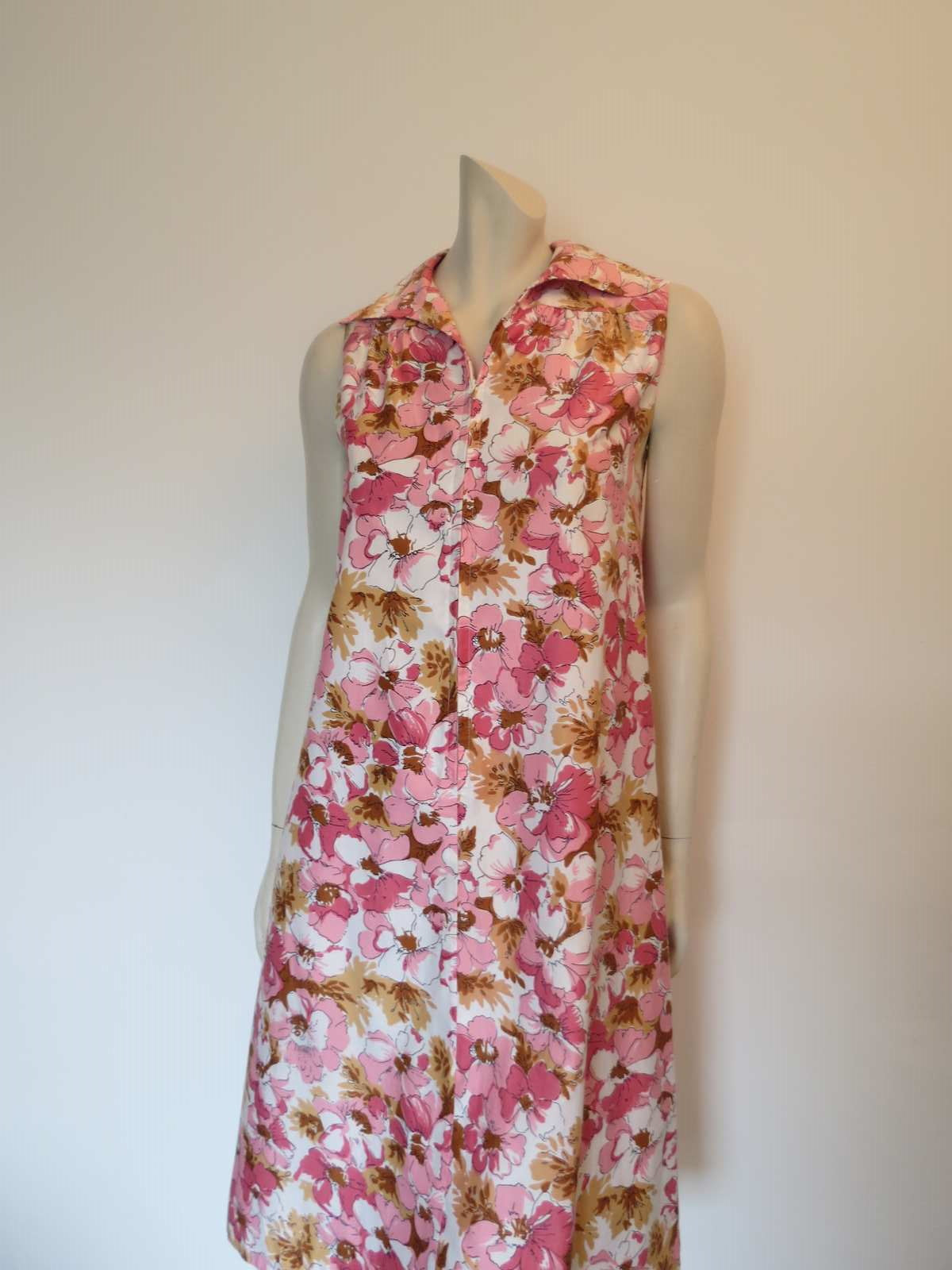 Pink Floral Zip Front Dress by Heather-Lyn - 1970s - Bust 91 cm