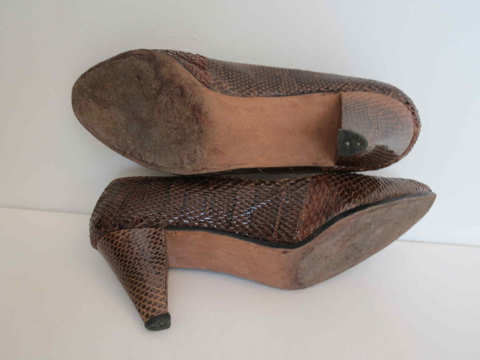 vintage 1950s brown snakeskin shoes heels by power shoe size 6