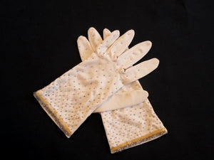vintage 1950s 1960s beaded gloves short beige cream gloves