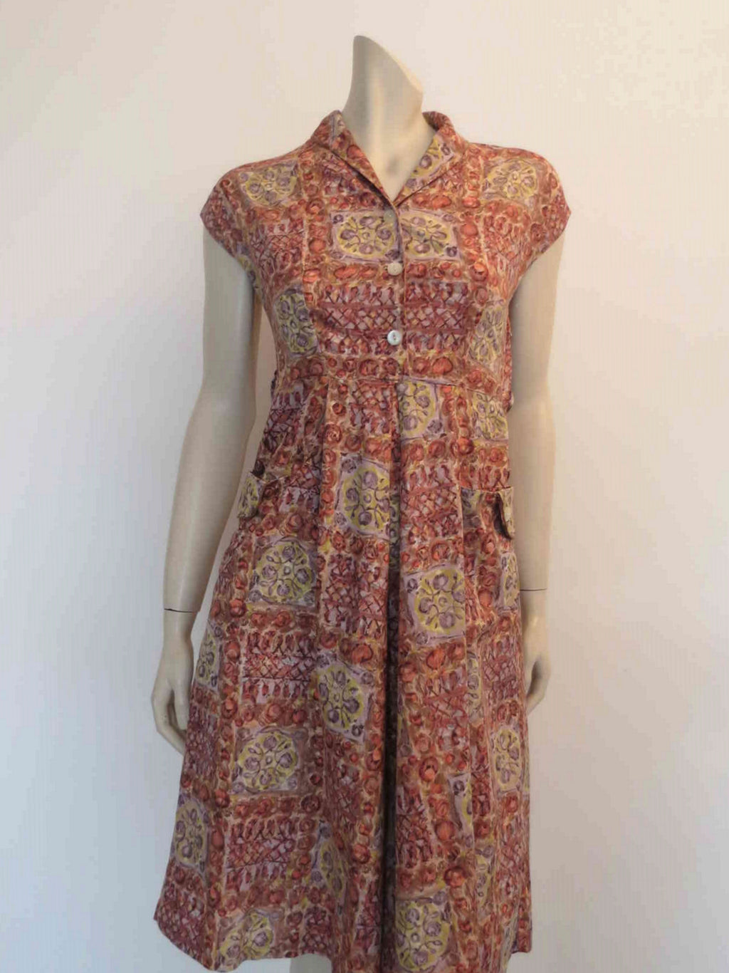 1950s vintage floral cotton dress with pockets