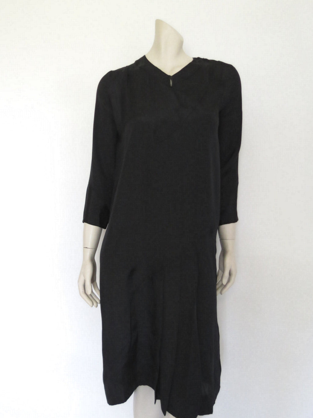 1920s vintage black silk dress with front pleats