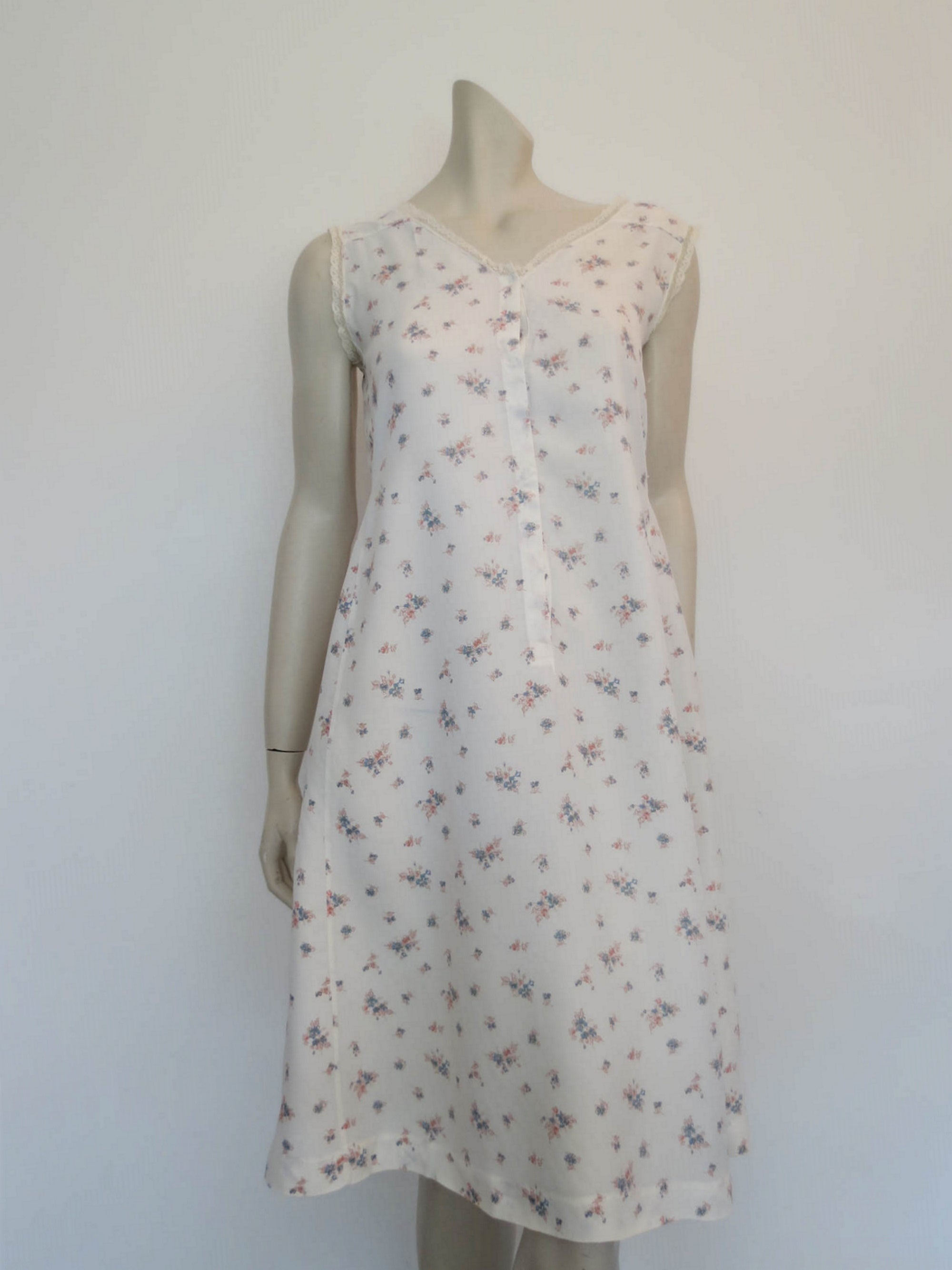 1940s vintage floral maternity nursing nightgown