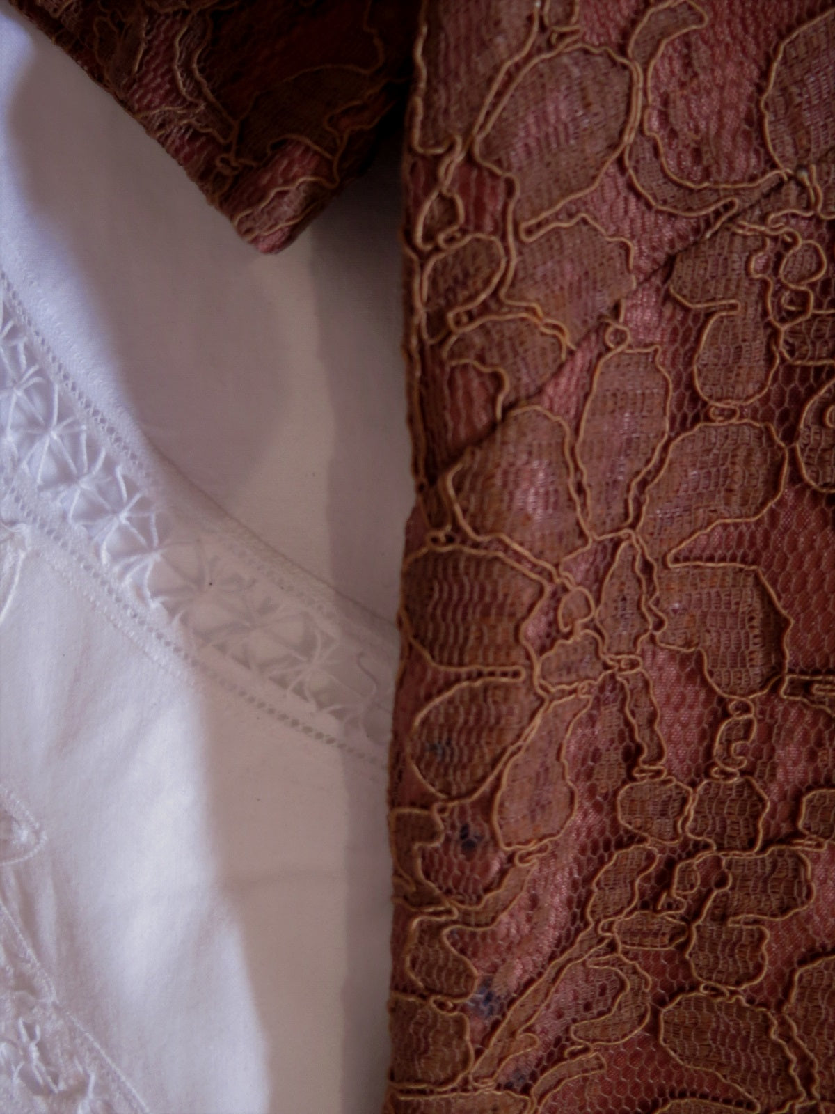 1960s Vintage - Vintage Lace Dress - Brown Alencon Lace Shift - Bust 91 cm