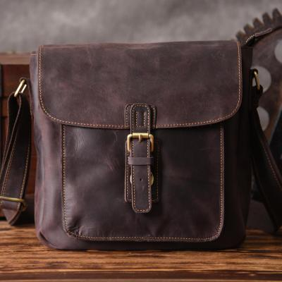 AETOO  Europe And The United States Handmade Leather Crazy Horse Leather Men Do Old Postman Package