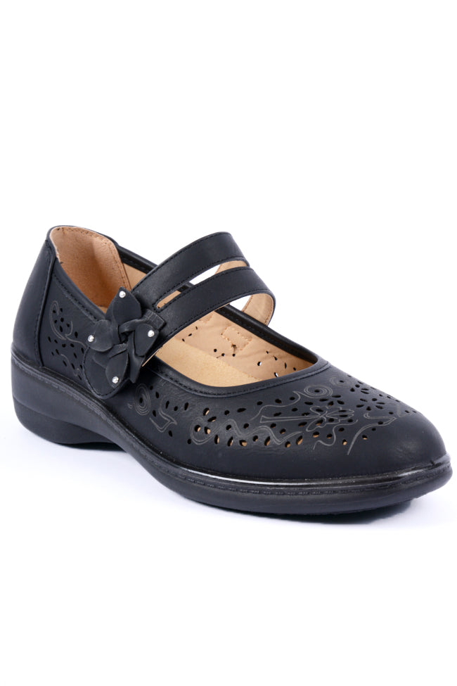 Oprah Black Dr Lightfoot Shoe 3x8