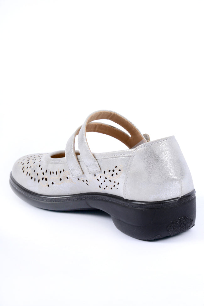 Oprah Silver Metallic Dr Lightfoot Shoe 4x8
