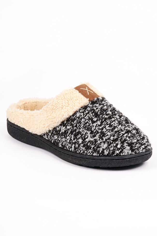 Kira Slipper Black 3X8 A