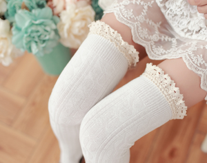 Lace Flower Knee-high Socks