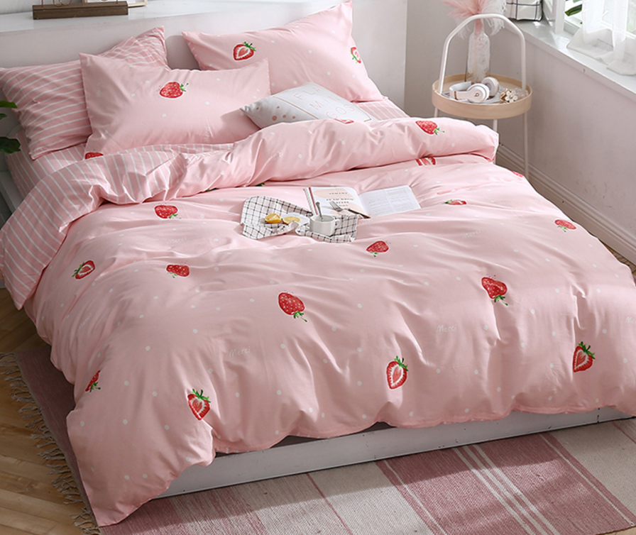 26b5594fb7 Sweet Strawberry Bedding Set – ivybycrafts