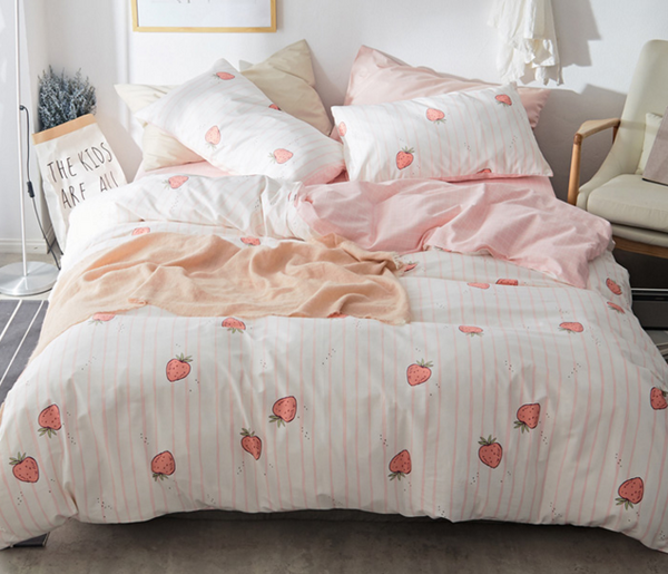 Cute Plaid Strawberry Bedding Set