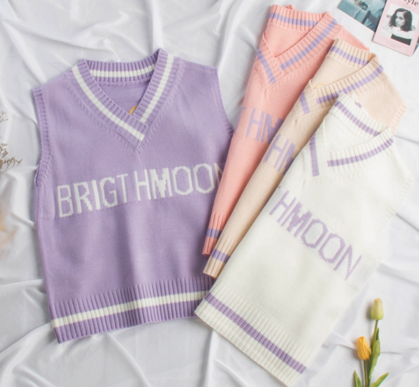 Cute Moon Knitted Vest
