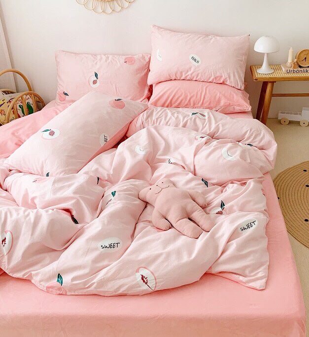 Lovely Peaches Bedding Set