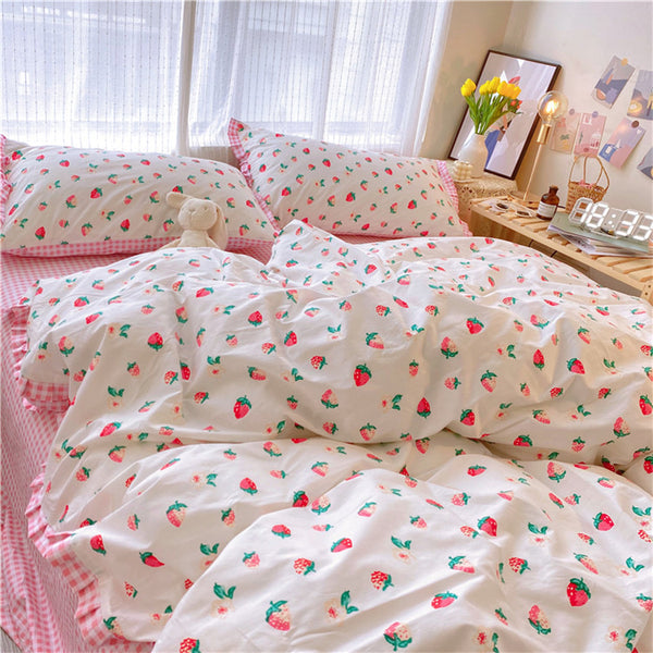 Cute Pinky Strawberry Bedding Set