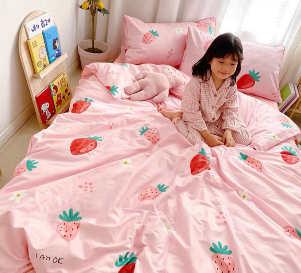 Kawaii Strawberry Bedding Set