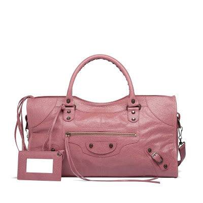 When it comes to the design of the bag itself, pay attention to the  pockets. From beginning of 2005. the front pocket has been partially lined  in leather, ... b7af556a60