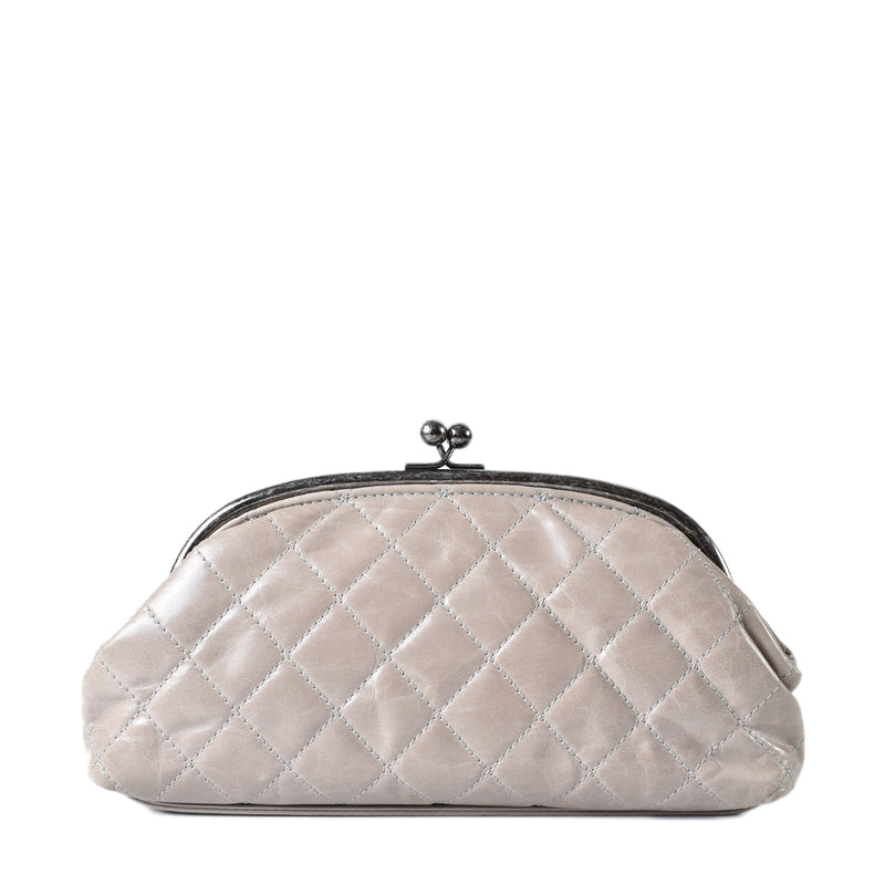 Chanel Glazed Calfskin Leather Kisslock Closure Clutch Bag in Light Taupe 21636100