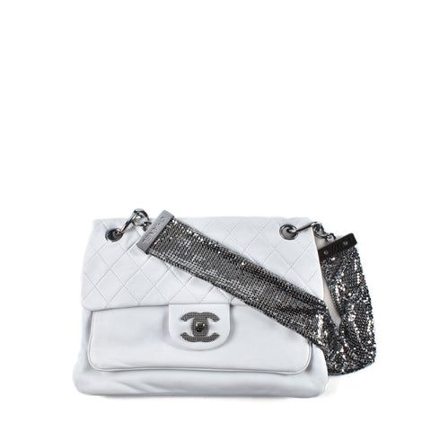 Chanel A46006 Chain Mail Flap Bag in White Lambskin and Ruthenium Hardware Cruise Collection 2008/09 12588340 - Glampot