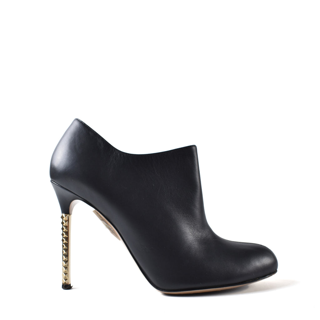 Valentino Black Smooth Calfskin Scarpe Boot Heels in Black