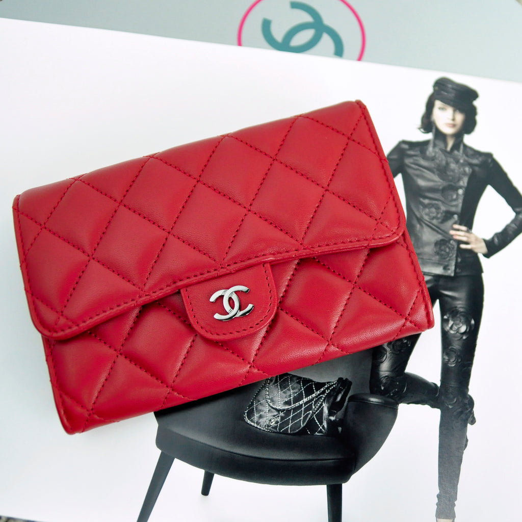 Chanel Short Fold Wallet in Red Lambskin SHW 20246911