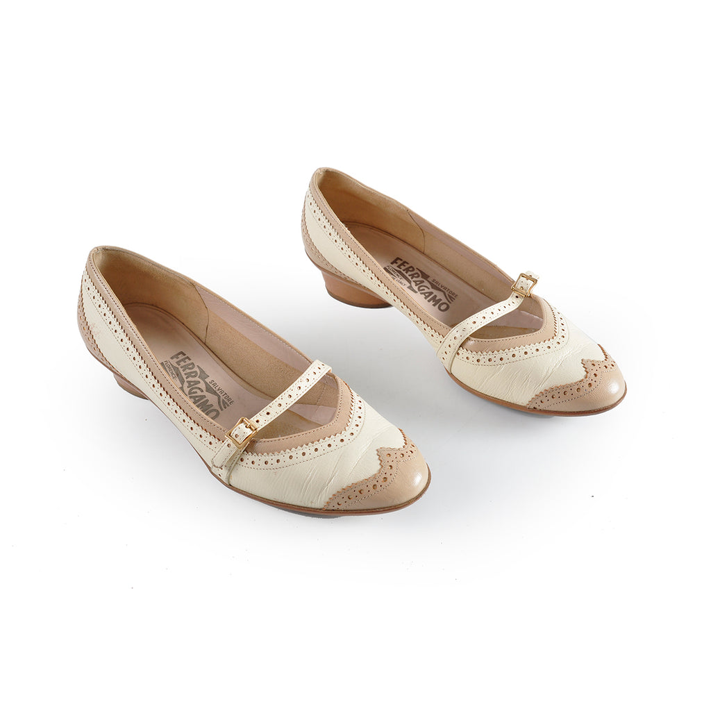 Salvatore Ferragamo Beige Kid Porcellana Kid Size: 6 1/2