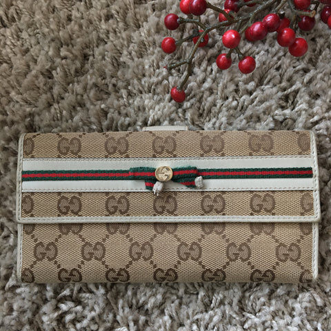 3289099dfbb006 Gucci 256933 Continental Wallet with Web Bow and Interlocking G Detail