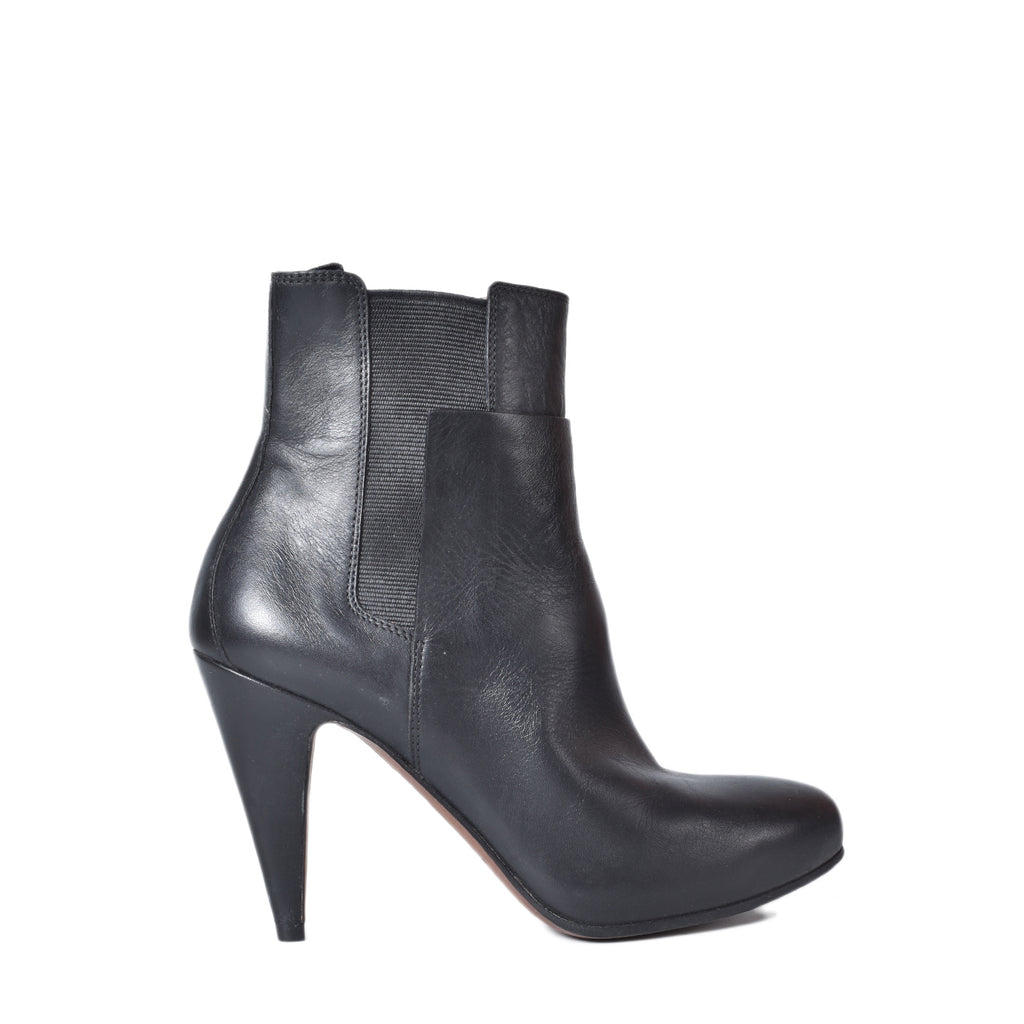Balenciaga 326305 Leather Ankle Boots in Black