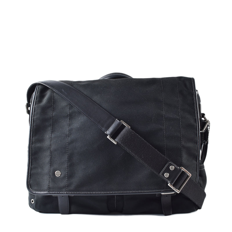 Coach Black Canvas Messenger Bag N DO4M-5724