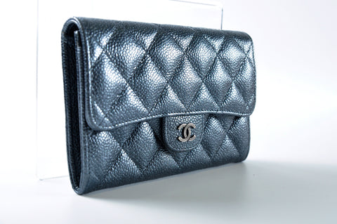Metallic Blue Short Wallet in Caviar Leather 20247317