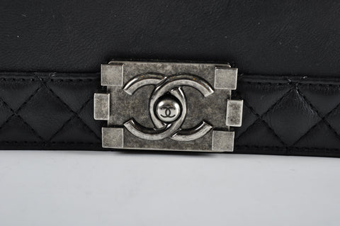 Chanel A67948 Reverso Black Calfskin New Medium Boy Flap RHW - Glampot