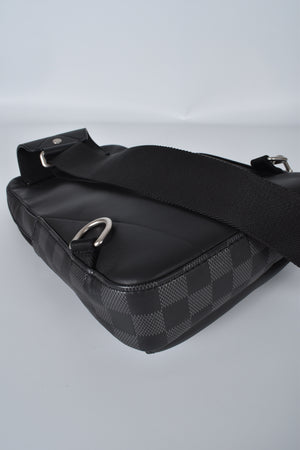 Louis Vuitton Men's Avenue Sling Bag Damier Graphite
