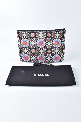 Chanel Dubai Small Medium Printed O Case 20546104 - Glampot