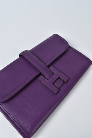 Hermes Jige Leather Duo Wallet in Cassis
