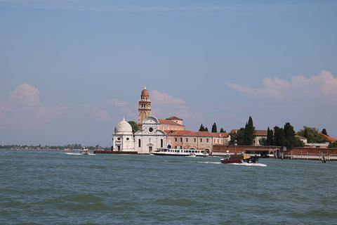 Arriving into Venice by private water taxi
