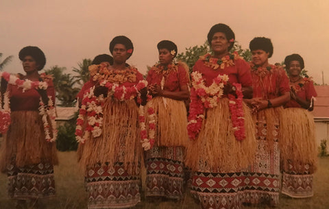 Fijian female dancers