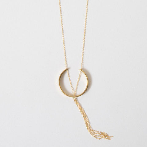 HEWA PENDANT NECKLACE