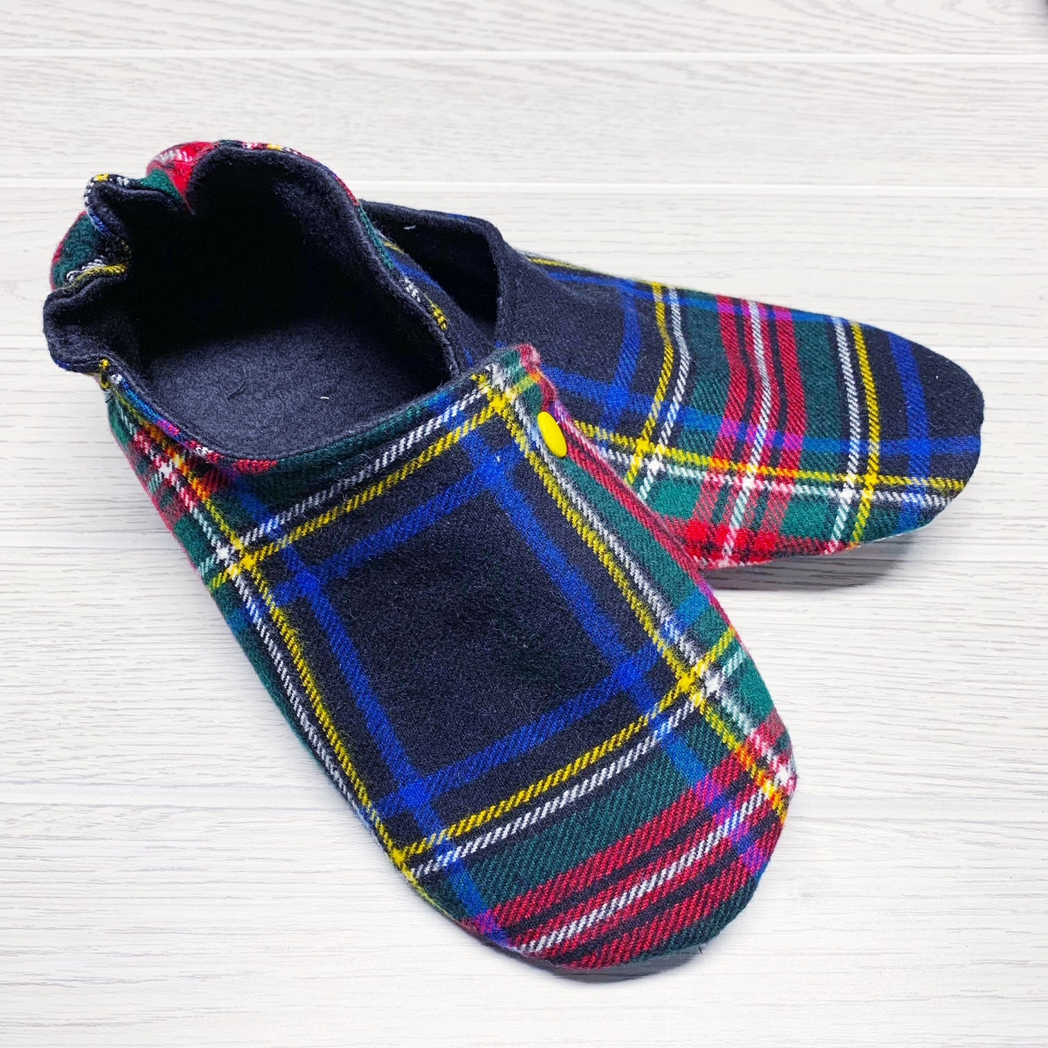 Blanket Scarf Slippers - MEDIUM